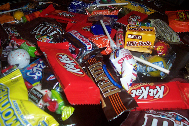 Dear Gilbert Dentist: How do I deal with this Halloween Candy?!